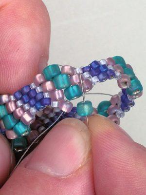 Jewelry Making Instructions – 163 ebooks & 135 docs & pics